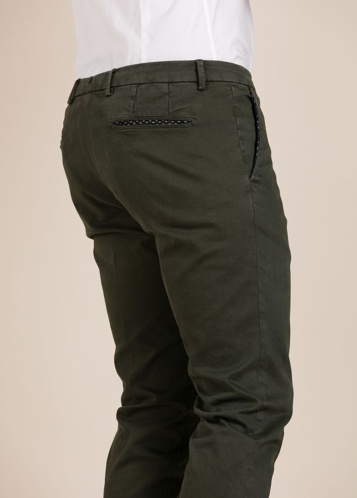 Pantalón chino PAOLONI verde kaki. - Ítem3