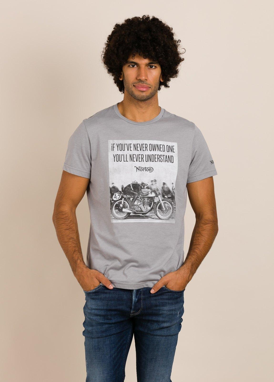 Camiseta NORTON gris con estampado gráfico