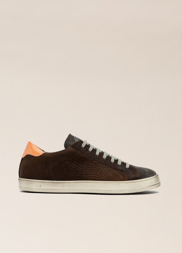 Sneakers P448 marrón