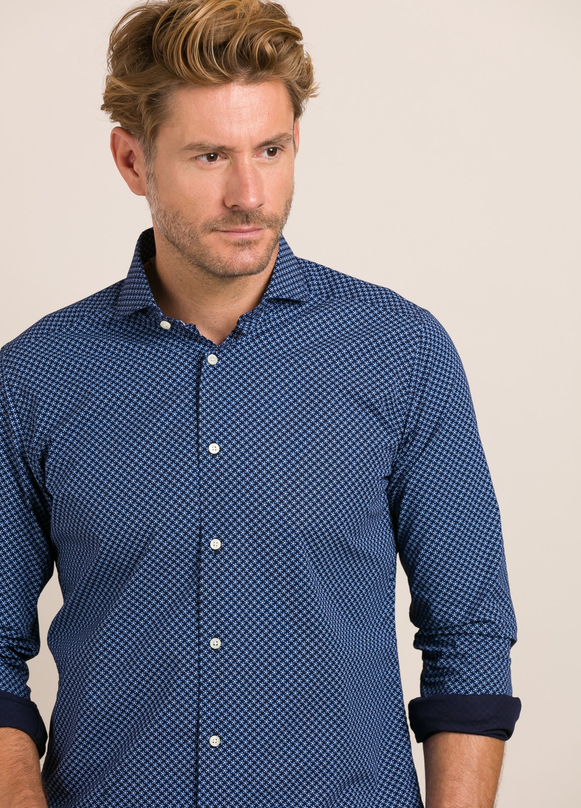Camisa Casual Wear FUREST COLECCIÓN slim fit. - Ítem3