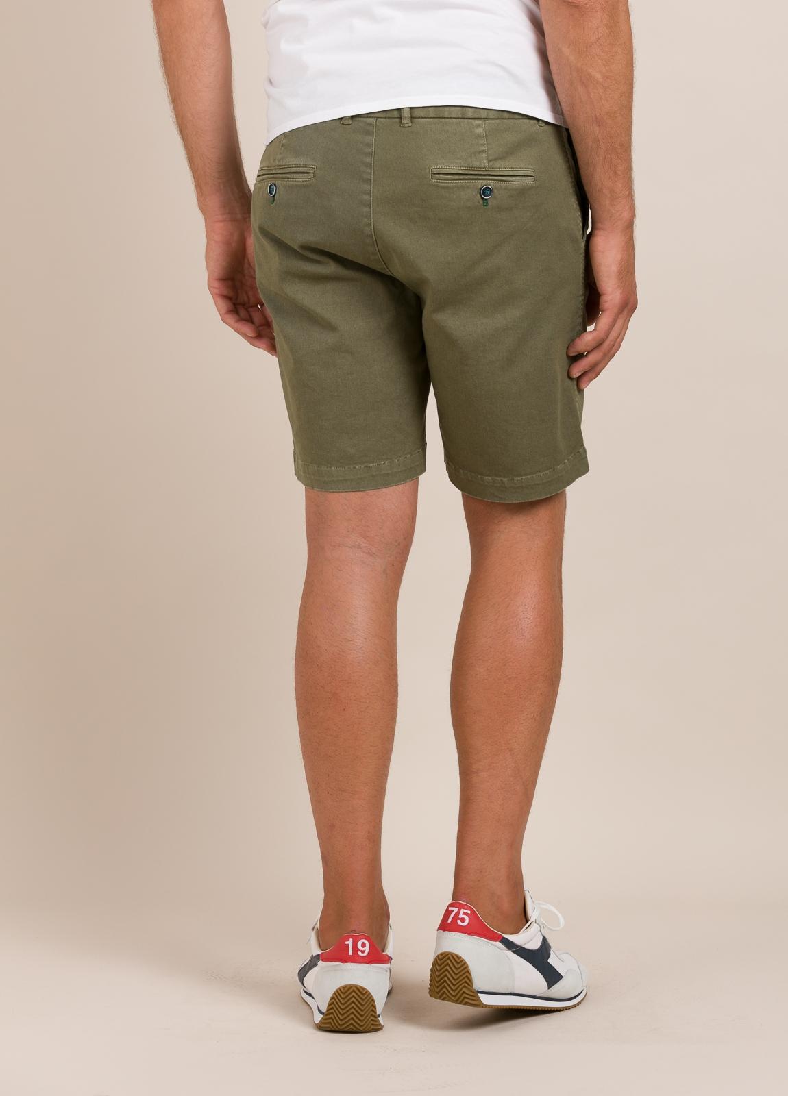 Bermuda modelo THOMAS color kaki, 100% Algodón. - Ítem2