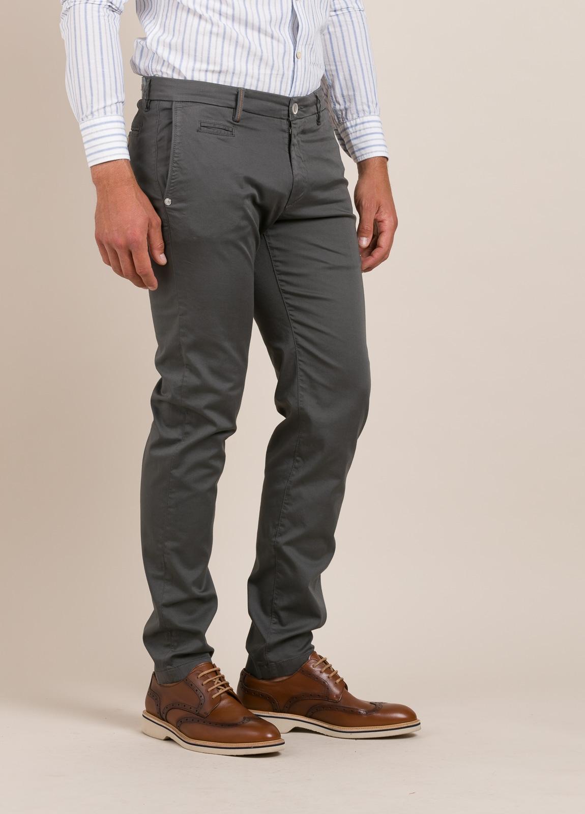 Pantalón sport RE-HASH slim fit gris - Ítem3