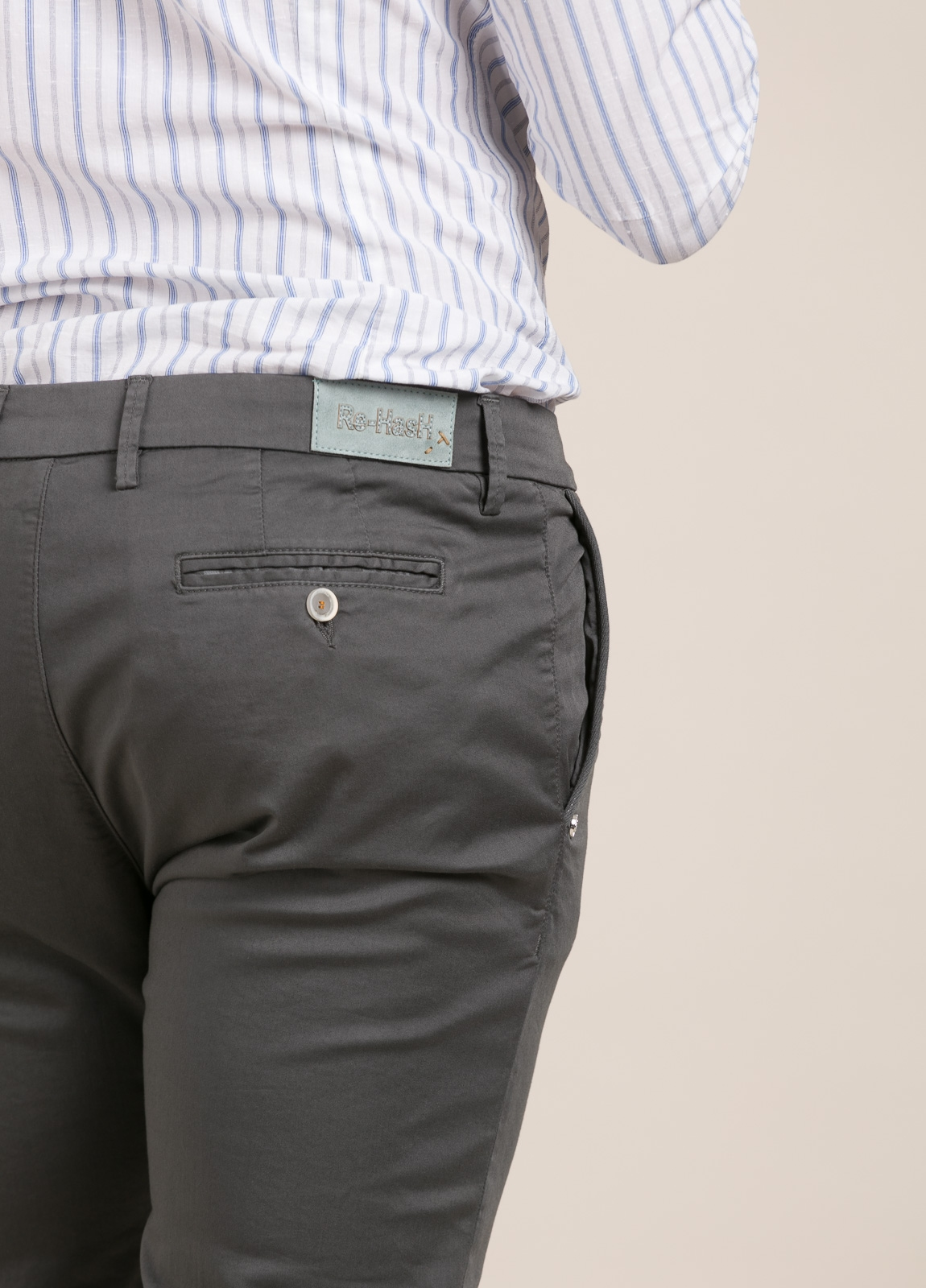 Pantalón sport RE-HASH slim fit gris - Ítem2