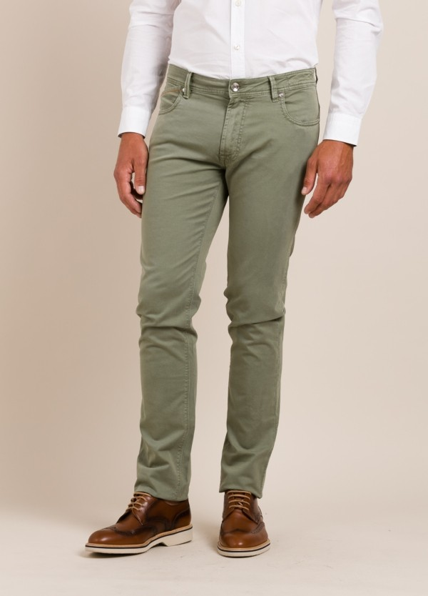 Pantalón sport RE-HASH slim fit verde