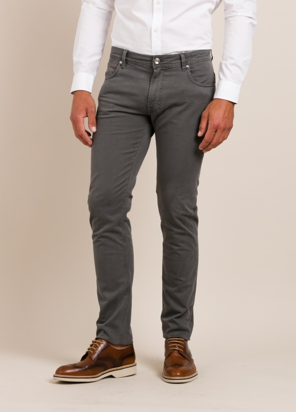 Pantalón sport RE-HASH slim fit gris