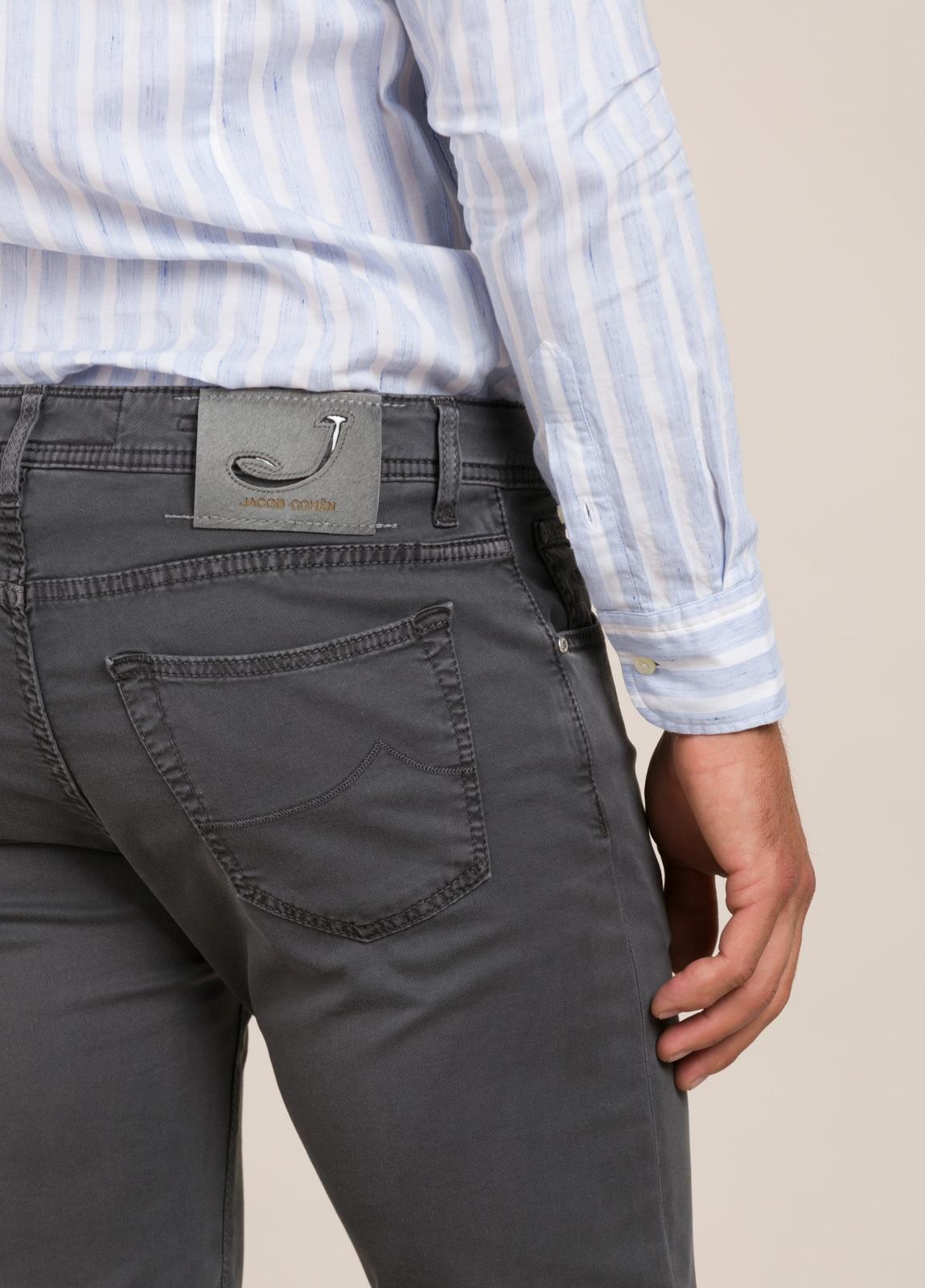 Pantalón tejano JACOB COHEN gris oscuro - Ítem1