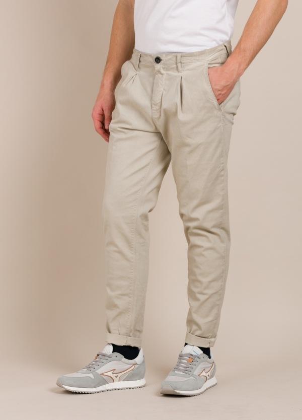 Pantalón chino THE NIM piedra