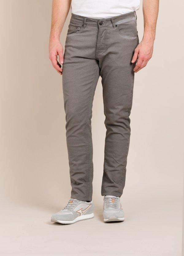 Pantalón THE NIM slim fit gris