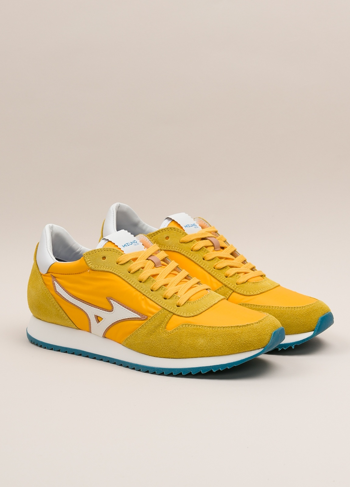 Sneakers MIZUNO amarillo - Ítem3