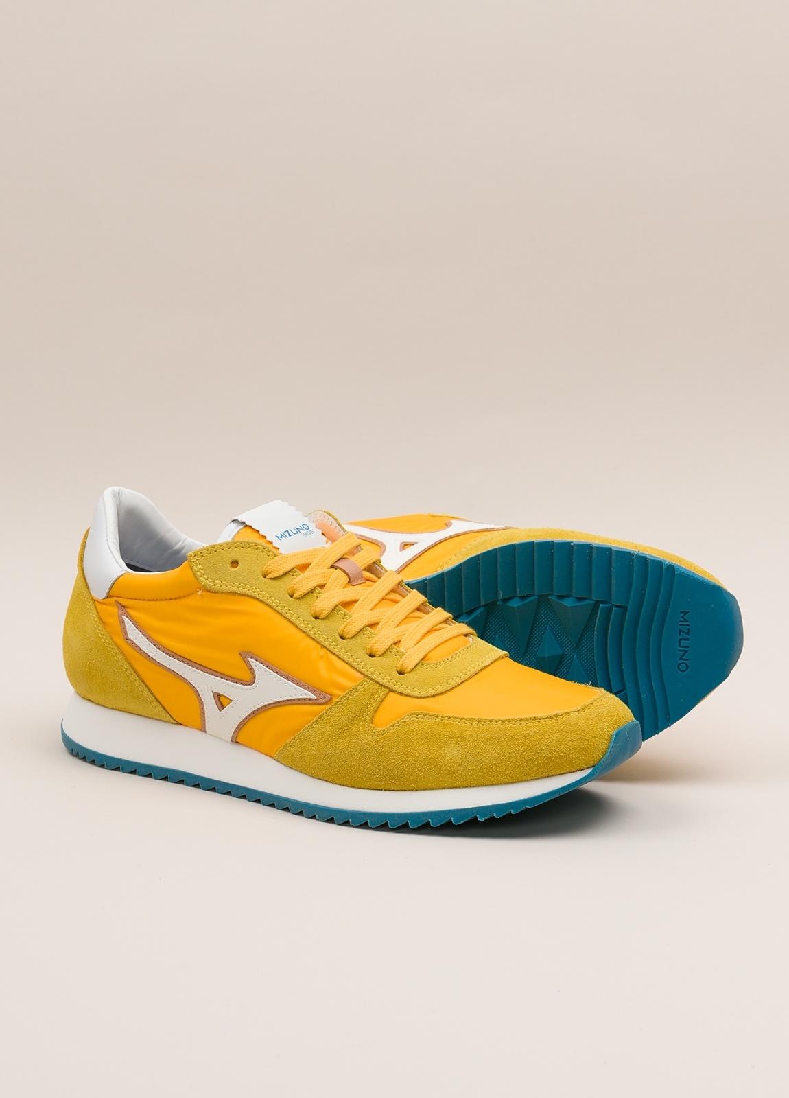 Sneakers MIZUNO amarillo - Ítem1