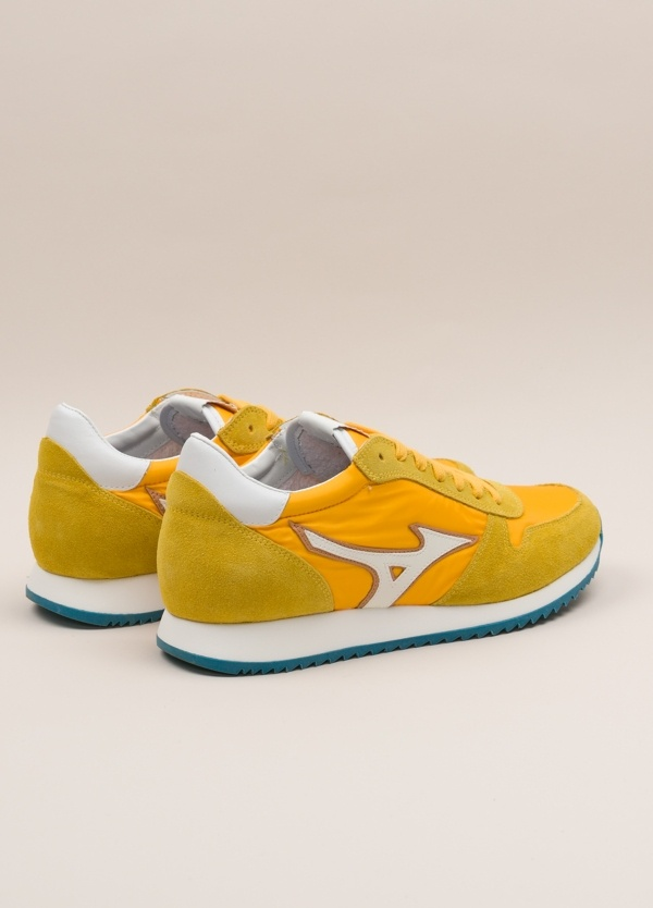 Sneakers MIZUNO amarillo - Ítem2