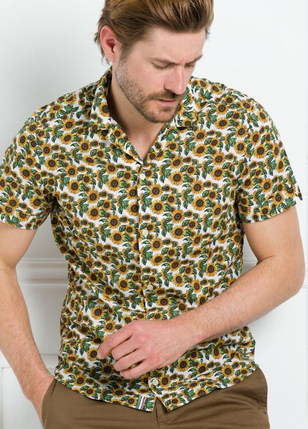 Camisa sport SLIM FIT con estampado floral color amarillo. 100% Algodón. - Ítem1