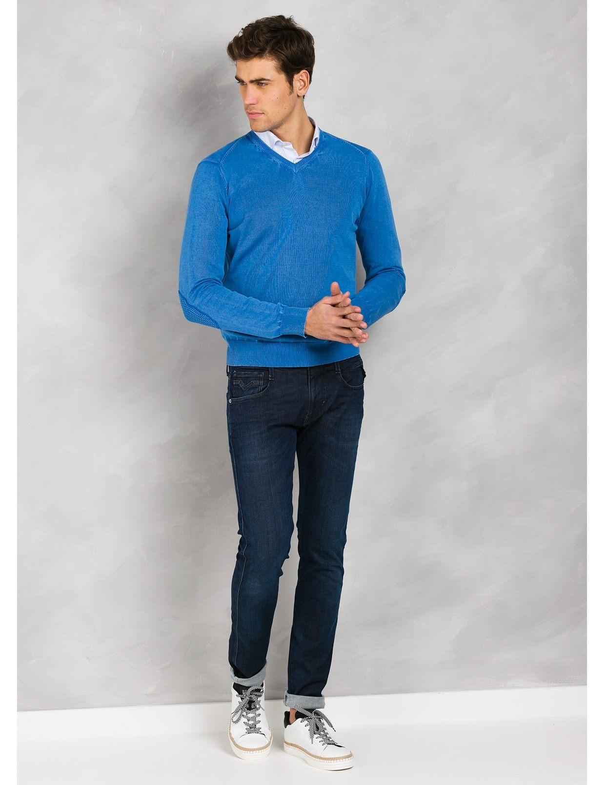 Jersey cuello pico color azulón con coderas, 100% Algodón.
