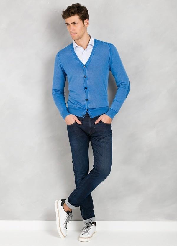 Cardigan con botones y coderas, color azulón, 100% Algodón.