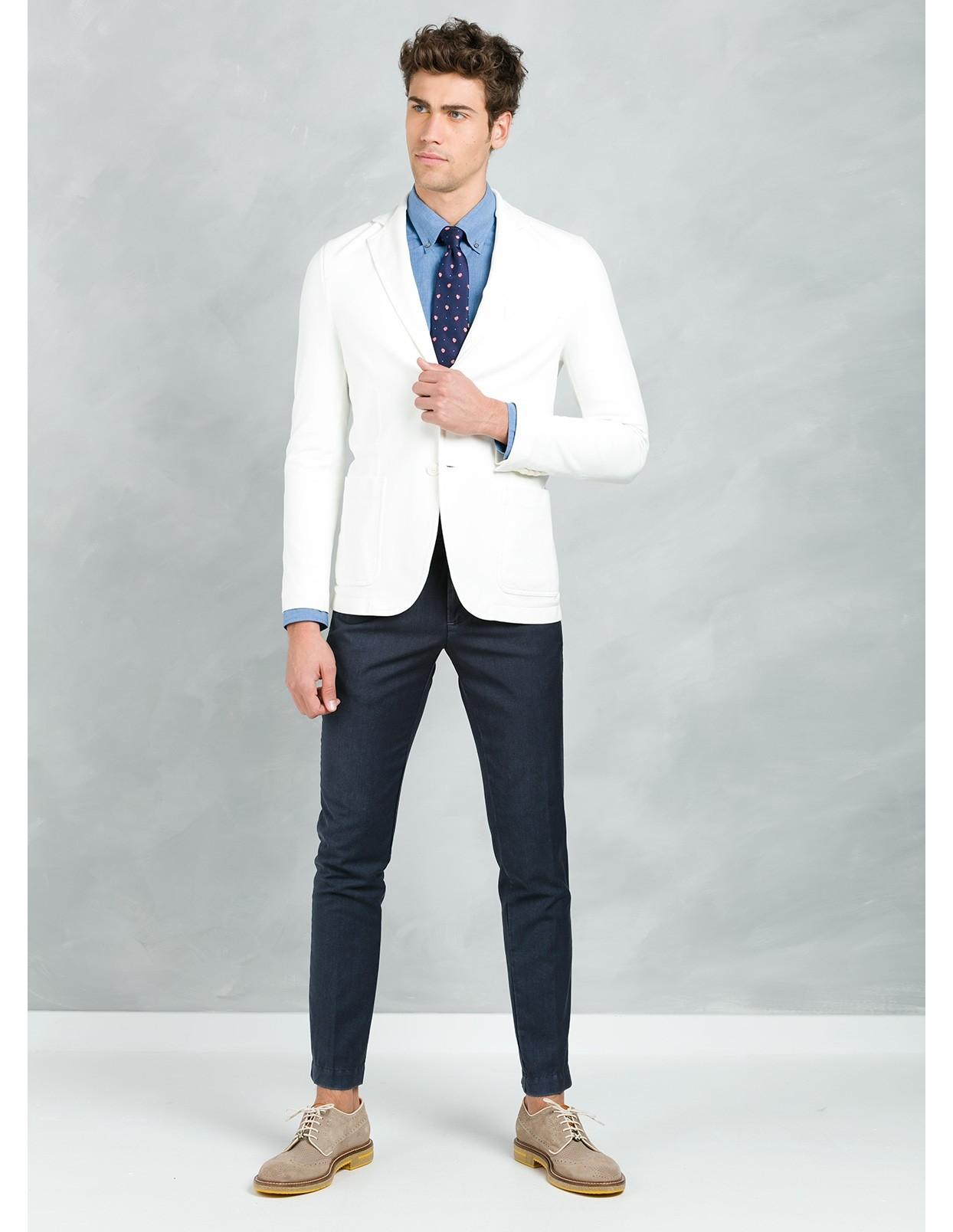 Americana soft 2 botones SLIM FIT color blanco, 95% Algodón 5% Elastán.