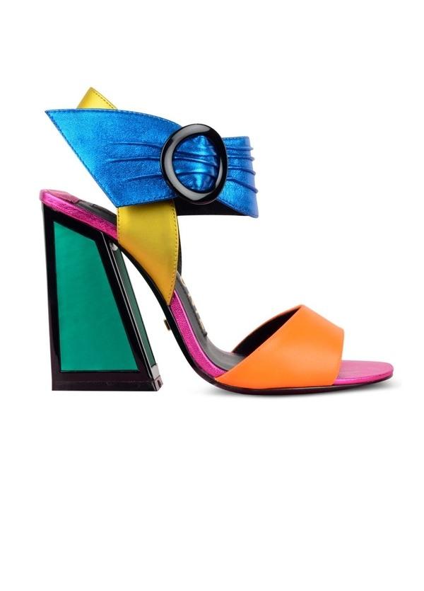 Sandalia multicolor de tacón alto cuadrado con pulsera ancha al tobillo modelo RAY, Piel.