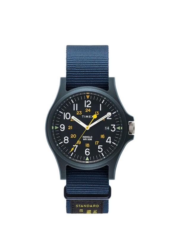 Reloj Timex azul marino.