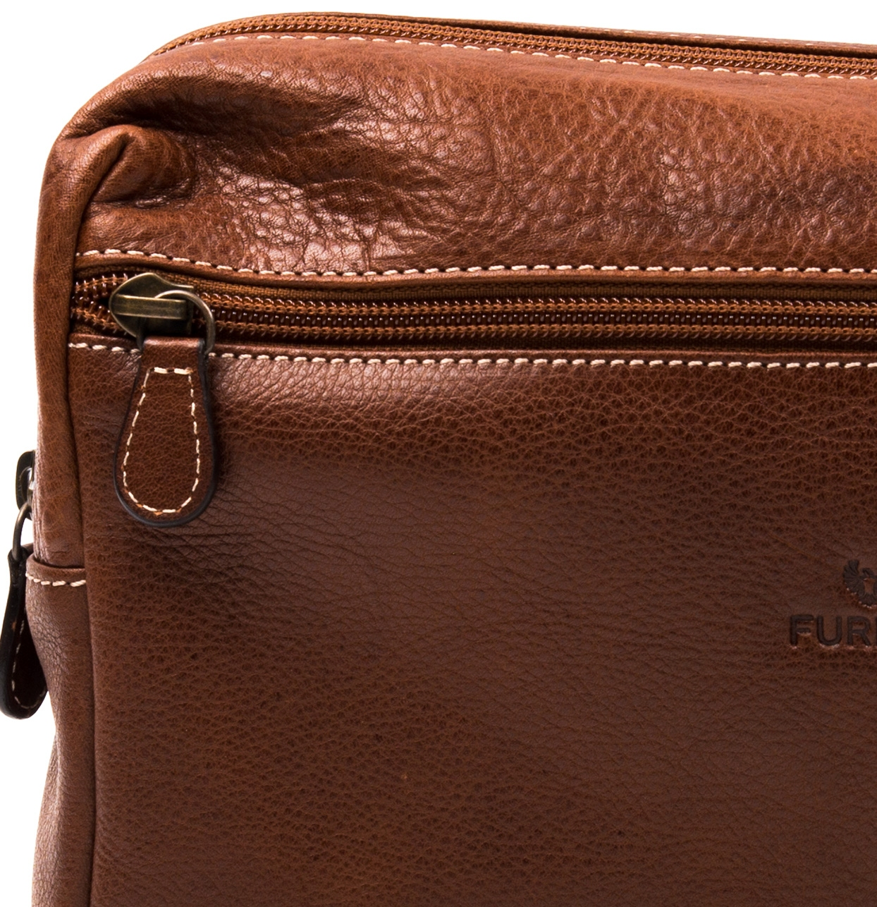 Neceser de piel color marrón natural, modelo TRAVIATA - Ítem2