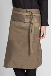 Apron brown.