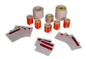 Sobres y etiquetas adhesivas