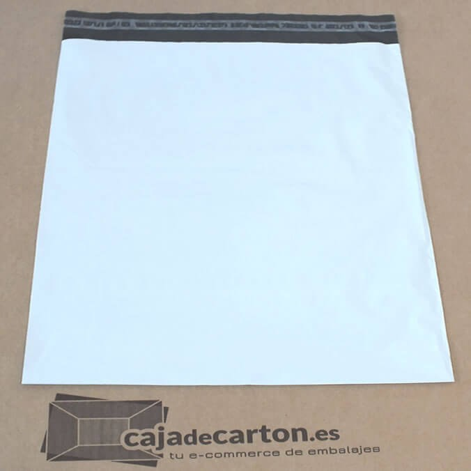 Sobres y bolsas de plástico para envíos de 350 x 450 + 50 mm.