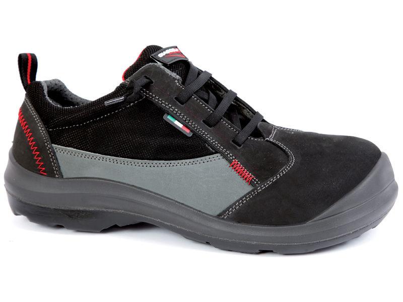 Zapatos de seguridad S3 con horma ancha talla XXL. Fabricados con puntera de composite y plantilla antiperforación textil no metálica tipo Kevlar. Estos zapatos han sido diseñados