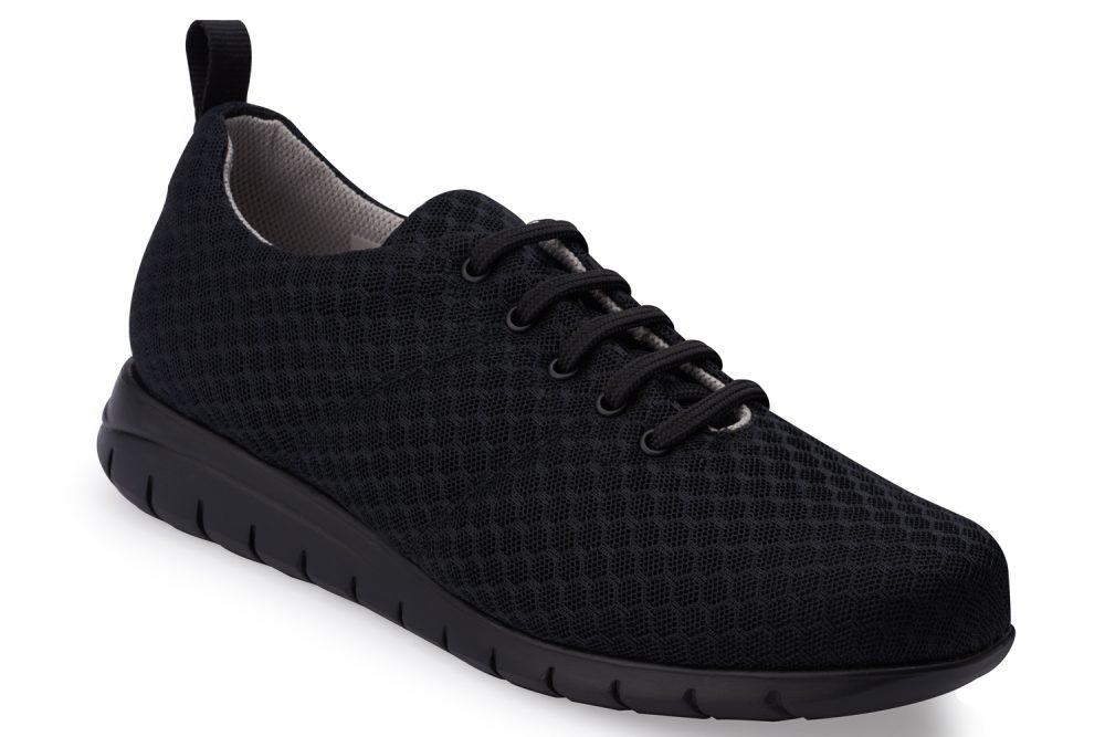 Zapatos de horma ergonómica diseñados para maximizar el alto confort, fabricado con un corte de tejido 100% transpirable y equipado con plantilla interior extraíble de memory foam que ofrece una sensación antifatiga al lo largo de la jornada