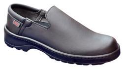 Zapato mocasin Marsella negro de piel microfibra tecnica lavable en frio, suela antideslizante nivel SRC, muy ligeros y flexibles, recomendados para trabajos donde se pasa muchas horas en pie.