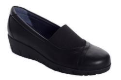 Zapatos de horma ergonómica diseñados para maximizar el alto confort, fabricado con un corte de piel napa vacuno soft ecológica y equipado con plantilla interior extraíble de memori foam que ofrece una sensación antifatiga al lo largo de la jornada de tra