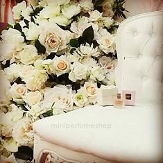 Detalle boda mini perfume Valentino+cajita+ tarjeta