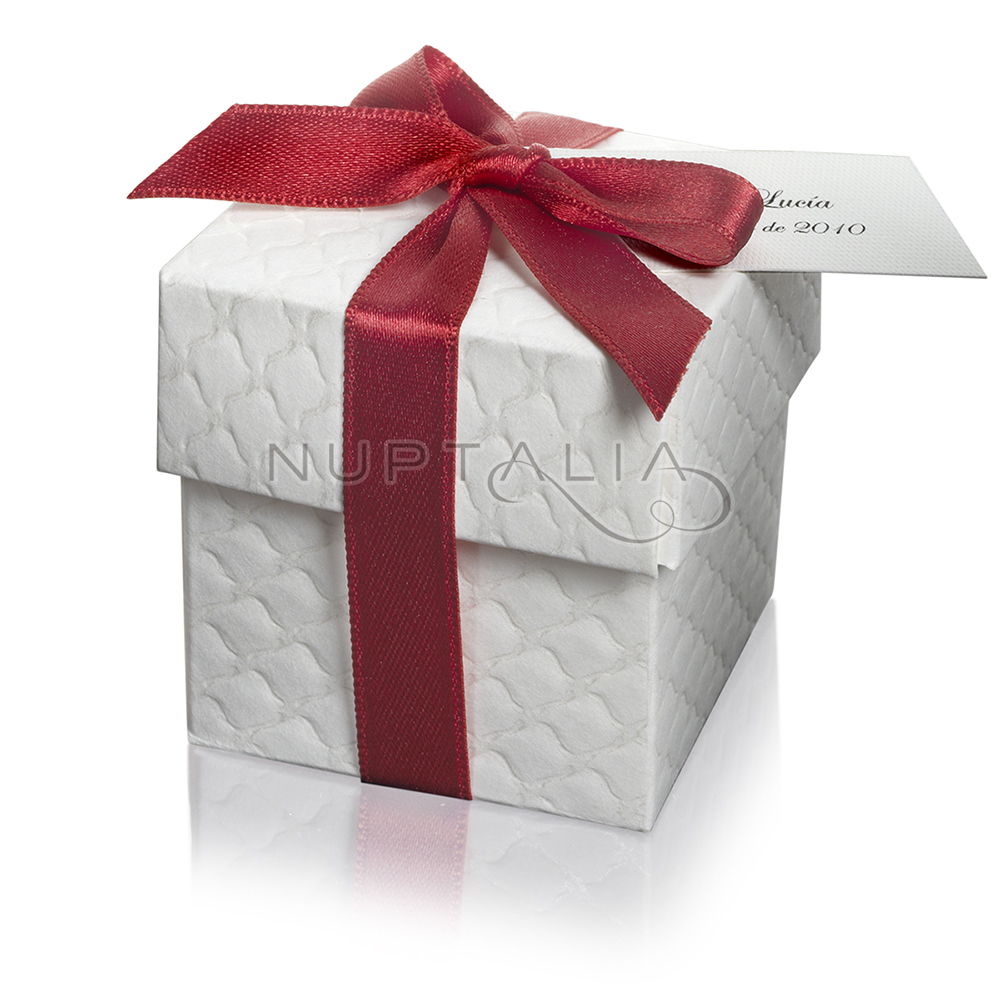 Detalles boda cajita cuadrada acolchada lazo rojo for Como hacer cajas para regalos de boda