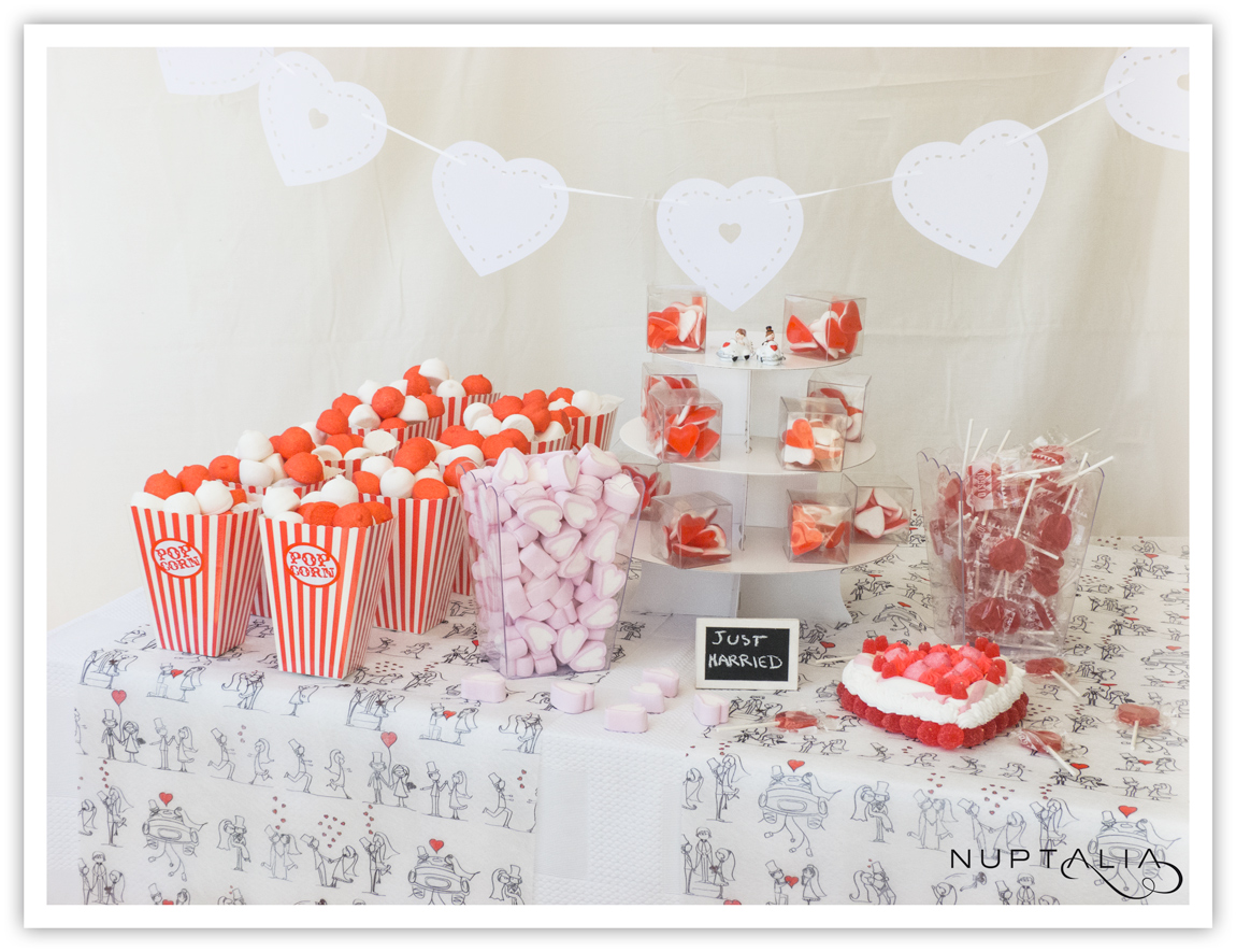 Mesa de chuches o candy bar love para 25 pax for Mesa de chuches comunion nina