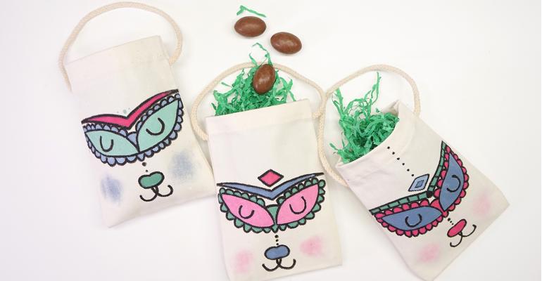 Cómo decorar bolsas de conejitos de Pascua con tintas textiles