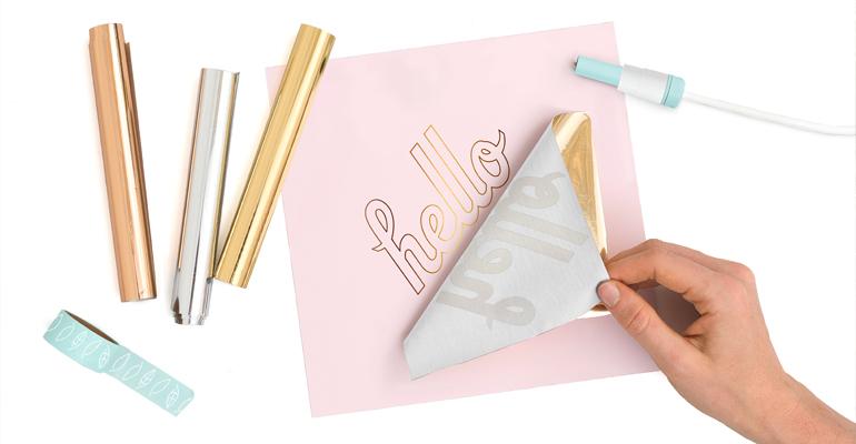 ¡Crea letras, frases o dibujos rellenos de foil preciosos!