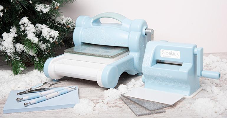 ¡Azul cielo divino con diseños blancos de mandalas! Así es la nueva colección edición limitada de Sizzix