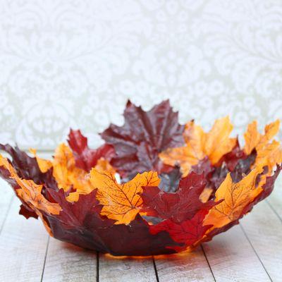 5 manualidades que puedes hacer con hojas y con niños