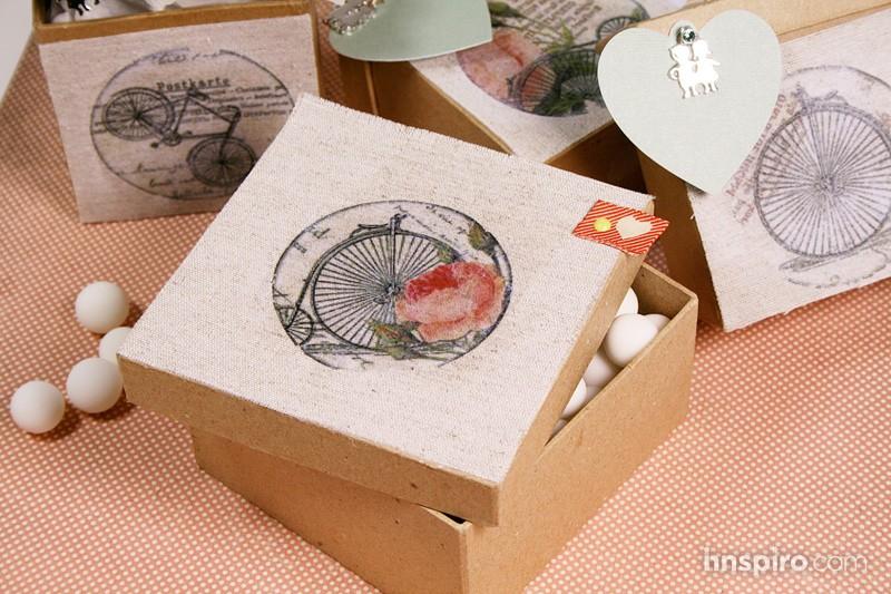 Cómo transferir una imagen sobre textil para crear cajitas regalo y personalizar objetos