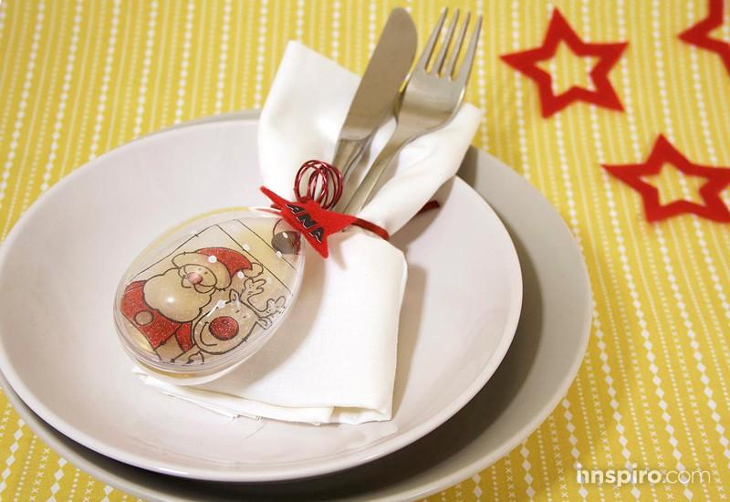 Santa Claus en la mesa