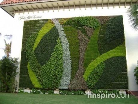Green-Living-Vertical-Garden-590x442
