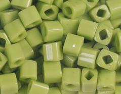 Z192044 192044 Cuentas japonesas cubo opaco verde Toho