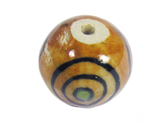 213527 Z213527 Cuenta ceramica bola esmaltada marron con topos verdes y lineas negras Innspiro