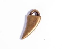 Z31611 31611 Colgante metalico Zamak colmillo dorado envejecido Innspiro