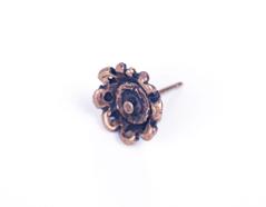 31648 Z31648 Pendiente metalico zamak flor con relieve dorado envejecido Innspiro