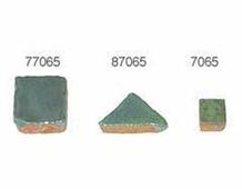 87065 Z87065 TESELA TRIANGULAR 19mm Verde Aguacate Innspiro