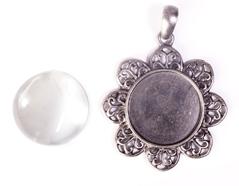 99445-AS Colgante camafeo metalico flor plateado envejecido con cabuchon vidrio Innspiro