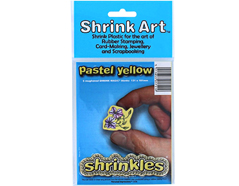 S1711 Hojas lisas plastico magico pastel yellow Shrinkles