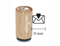WM0407 Sello mini de madera y caucho sobre con corazon diam 15x25mm Woodies