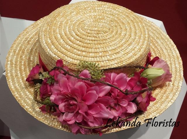 Canoutier de paja natural con flores fucsia
