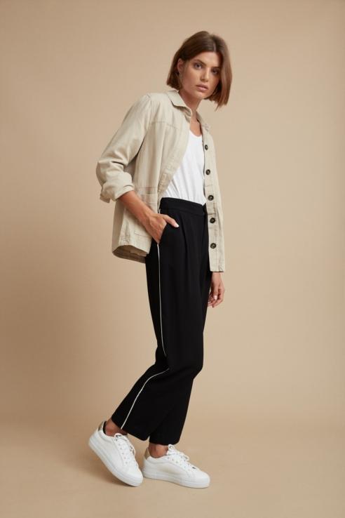 pantalón vivos laterales