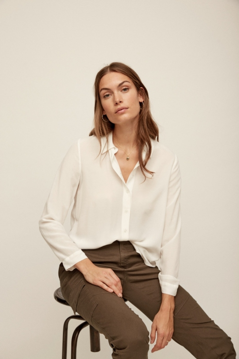 white long sleeves flowy shirt